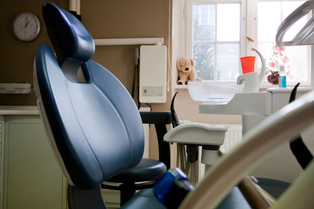 Zahnarzt Tempelhof Behandlungsstuhl